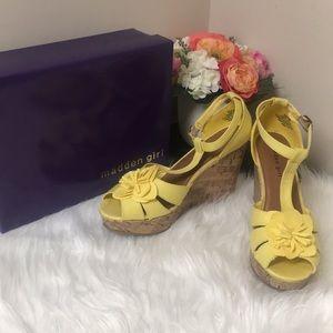 Yellow flower wedges
